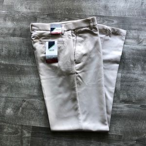 NEW IZOD GOLF KHAKI MICROFIBER SPORTFLEX PANTS